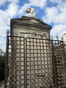 st_louis_cemetary_1